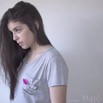 Camiseta Cinza Botons