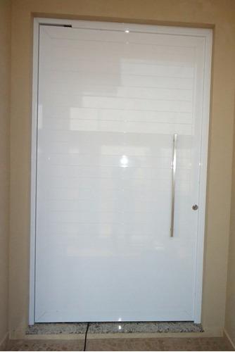 Porta De Alum Nio Branco 210 X 90 Cm Pivotante Com