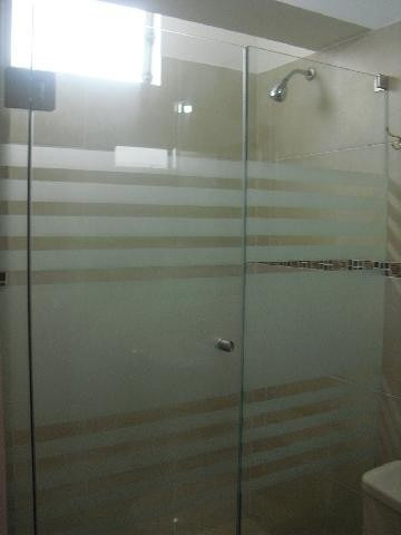 Puertas de ducha en vidrio templado acrilico y mas s for Puerta cristal templado