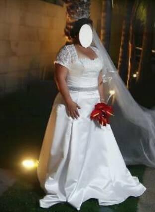 Vestido de novia con encaje para gorditas