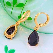Elegantes Aretes Oro Laminado 18k Y Zircones Cúbicos Negros