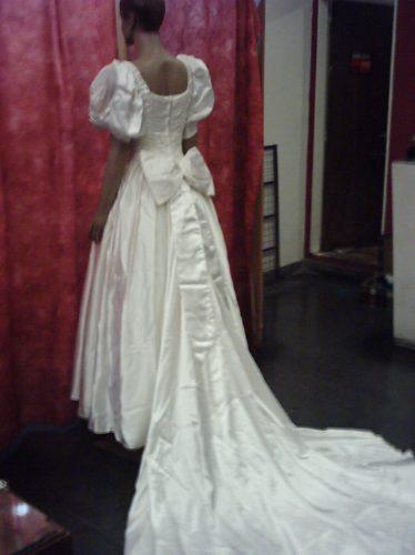 hermoso vestido de novia de raso italiano. - $ 3.500,00 en mercado libre