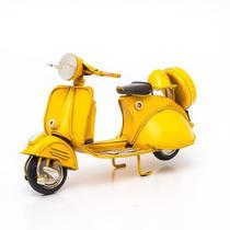 Miniatura Lambreta Retrô Amarela