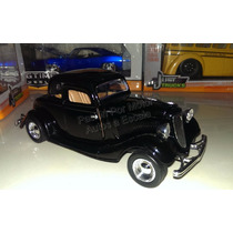 1:24 Ford Coupe 1934 Negro Motor Max Display