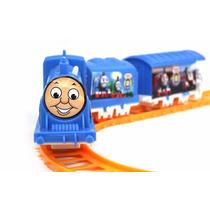 Trem Thomas A Pilha Com Vagões E Trilho