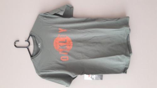 Camiseta Original Oakley - Cinza - Com Etiqueta - Tam P - R  70 a8be2900a8f
