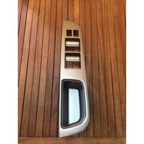 Bisel Puerta Delantera Izq Nissan Versa Nueva Original