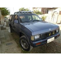 Vendo Nissan 2001 Doble Cabina 4x2.