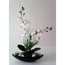 Arranjo De Orquídea Artificial Branco Fundo Porcelana Preta