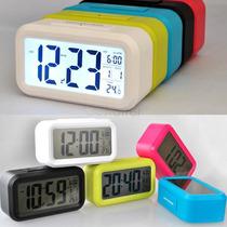 Reloj Despertador Digital Luz Led Snooze Sensor Regalos Aka