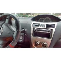 Toyota Yaris Gli 1.5 2009