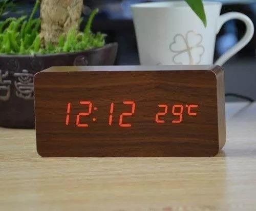 3793c2a64d1 Relógio Digital Led Cabeceira Com Termômetro Estilo Madeira - R  57 ...