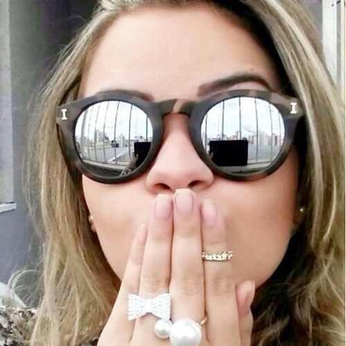 c228407eed945 Óculos De Sol Feminino Illesteva Espelhado - Varias Cores - R  79,00 em  Mercado Livre