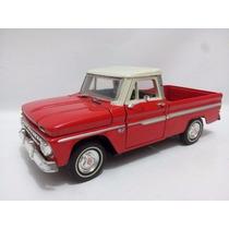 Motor Max 1:24 Chevrolet C-10 Fleetside Pickup (2 Ton) 1966