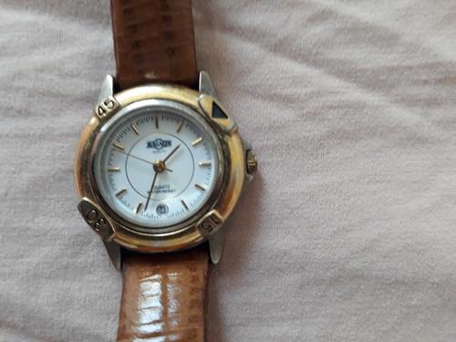 15af64c2c72 Relógio Magnum - Feminino - R  250
