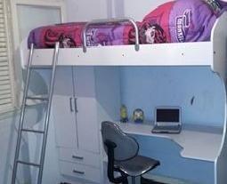 cama con escritorio abajo ropero y dos cajones