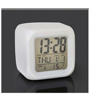 Reloj Despertador Digital Cubo Luz Led Fecha Temperatura