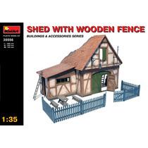 Modelo De Construcción 1:35 Cabaña Con Cerco De Madera
