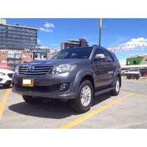 Toyota Fortuner 2013 Tapiceria Cuero, Accesorios Seguridad