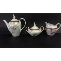 Conjunto De Bule, Leiteira E Açucareiro Em Porcelana Antiga
