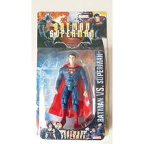Homem De Aço Boneco Superman Articulável 15 Cm Luz Led