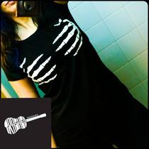 Remera Mujer Manos Esqueleto Skull Summer Rockeria Trashed.