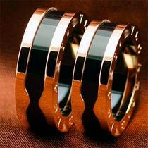 Par Aliança Anel Em Titânio E Cerâmica Banhado Ouro 18k