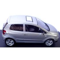 Miniatura Volkswagen Fox Prata 1:43 Schuco Nova Na Caixa