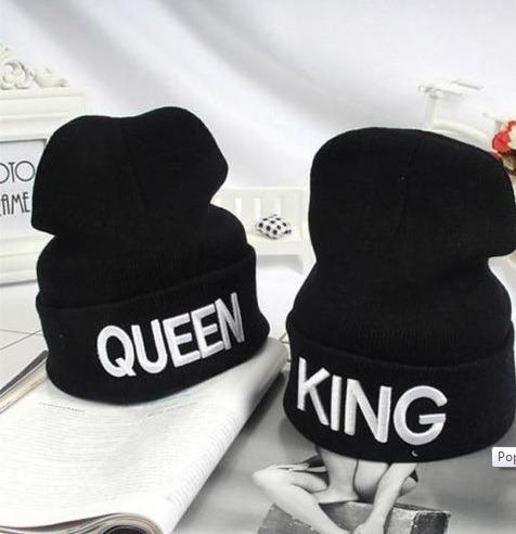 Par De Gorros De Lana King Queen Bordado 3d Calidad A Pedido -   950 ... 1fcd24a112b