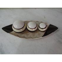 #16989 - Canoa Cerâmica Decorativa Com 3 Bolas!!!