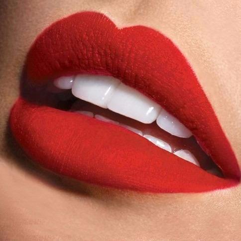 Resultado de imagen para rojo mate labios