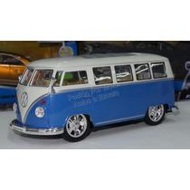 1:24 Volkswagen Bus Low Rider 1962 Azul Welly Display