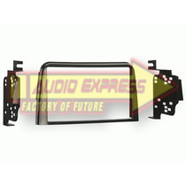 Base Frente Adaptador Estereo Saturn All Models 95-99 953105