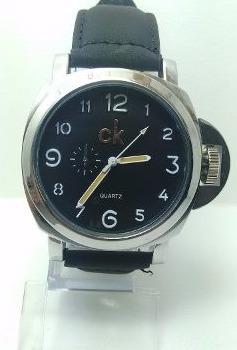 2ce2aea0b05 Kit 2 Relógio Masculino Luxo Ck Pulseira Couro Social Rc1 - R  48