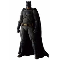 Batman Vs Superman - Mafex Batman