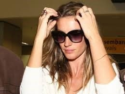 d17afd4c7b070 Oculos De Sol Colcci Tina Gisele Bundchen Certificado - R  278