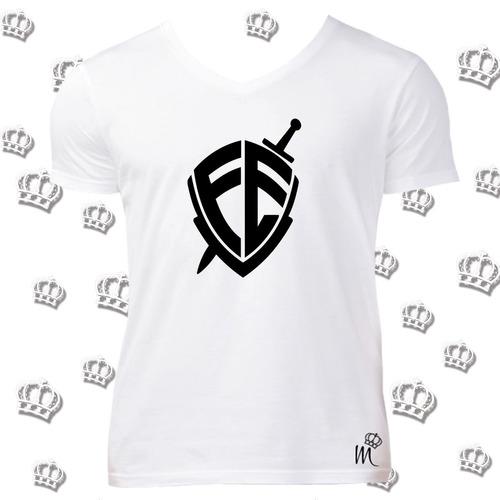 0f739f85cf Camiseta Gola V Escudo Fé - R  32