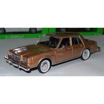 1:24 Dodge Diplomat 1986 Champagne Motor Max Ccaja Dart