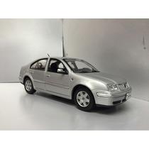 Volkswagen Bora A Escala 1 / 24