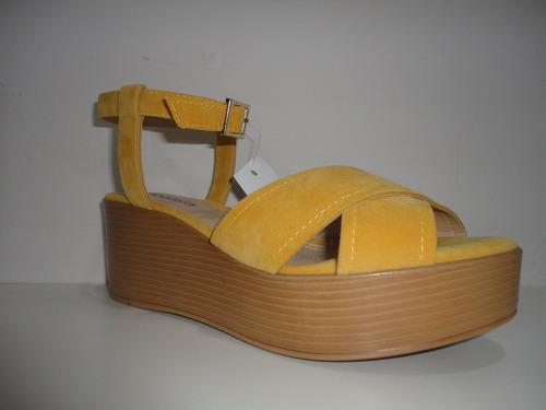 82de2d935 Sandália Feminina Azaleia Camurça Amarelo - R$ 87,00 em Mercado Livre