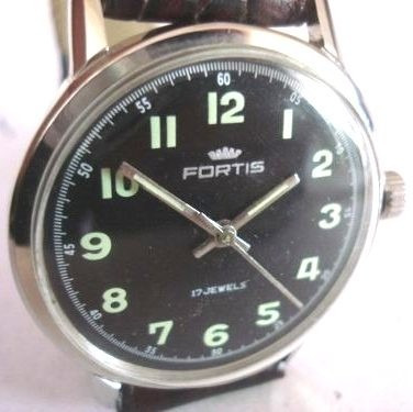 8d7c8797f97 Relógio Fortis Militar Antigo Coleção Suiço - R  570