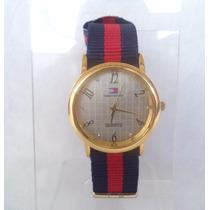 Relógio Feminino Tommy Coroa Redonda Dourada Visor Prata