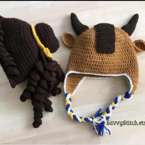 33880ea5b34c6 Gorros Tejidos A Crochet Bella Y La Bestia -   150.00 en Mercado Libre