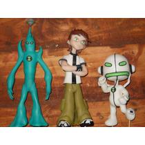 Ben 10 ( Tres Figuras En Porcelana Fría)