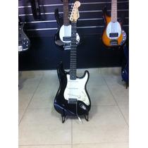 Guitarra Squier C/braço Fender