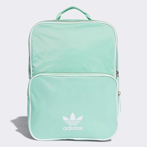 Mochila Classic adidas Originals Backpack Medium -   799.00 en Mercado Libre a315b3c322ac5