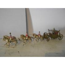 Antiguo Carruaje De Plomo Reina De Inglaterra 44 Cm Largo