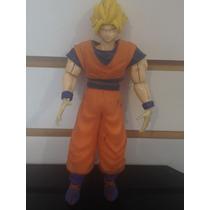 Figura Goku Super Saiyain Traje Completo - Pixel Gamers-