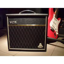 Amplificador Vox Cambridge 15 Celestion Pre Valvular 30w