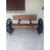 Banco De Madeira Com Roda De Carroça
